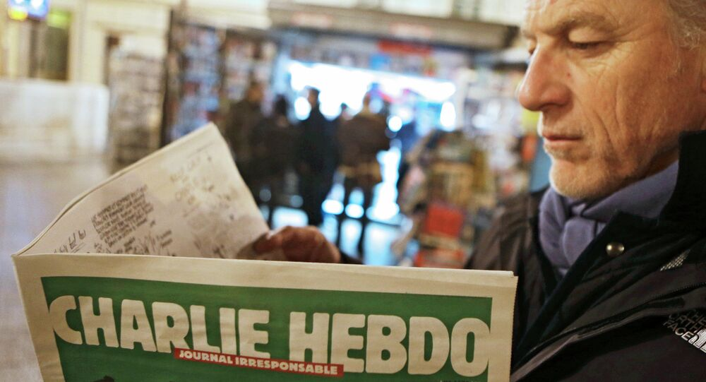 A primeira edição (depois do ataque) do semanal satírico francesa Charlie Hebdo