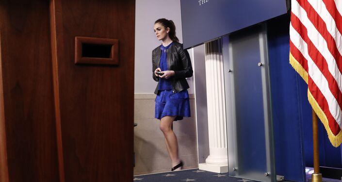 Ex-modelo jovem torna-se nova secretário de imprensa da Casa Branca