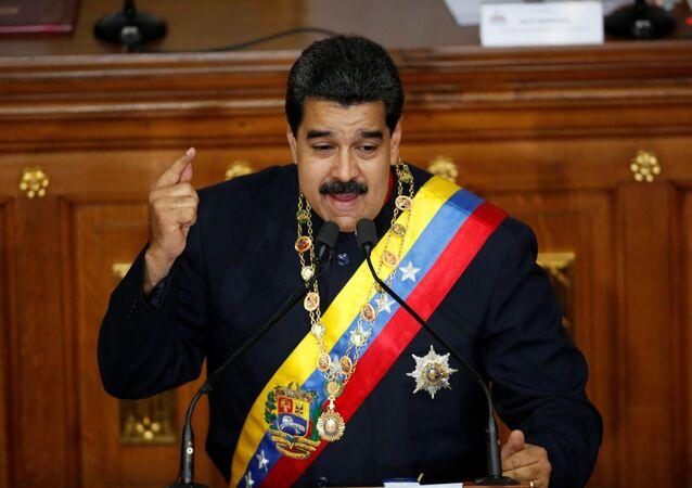 Presidente venezuelano Nicolás Maduro discursando durante uma sessão da Assembleia Nacional Constituinte (arquivo)