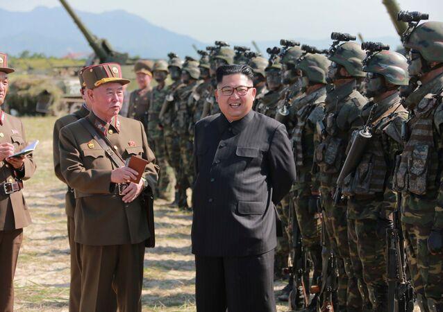 Kim Jong-un, líder da Coreia do Norte durante as manobras militares