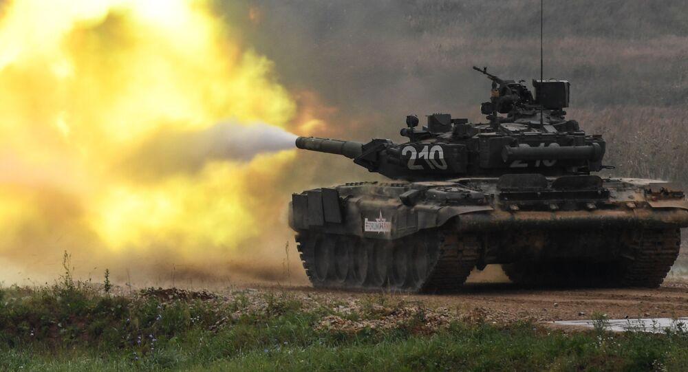 Tanque T-90 em ação no fórum internacional técnico-militar EXÉRCITO 2017 (foto de arquivo)
