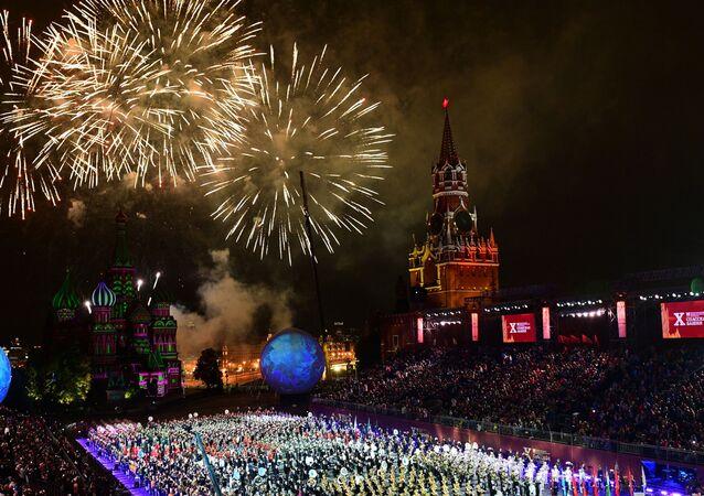 Cerimônia de encerramento do festival de música militar Spasskaya Bashnya, realizado em Moscou