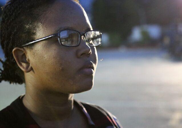 A linguista haitiana Faradjine Alfred: Formada há quatro anos, fluente em cinco idiomas e sem emprego
