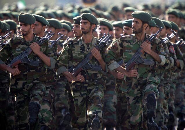 Militares do Corpo de Guardiões da Revolução Islâmica (foto de arquivo)