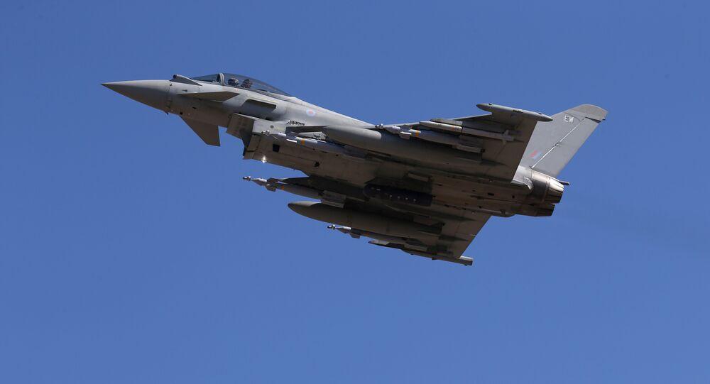 Em 22 de setembro o avião Typhoon decola de Akrotiri, Chipre
