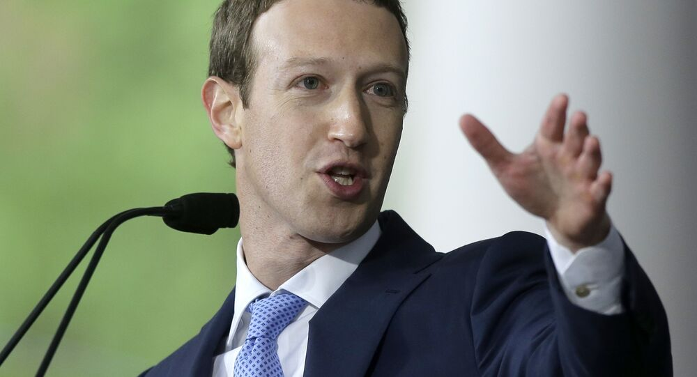 Mark Zuckerberg, fundador e presidente do Facebook, discursando na Universidade de Harvard, no estado americano de Massachusetts, em 25 de maio de 2017