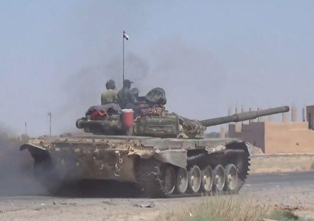 Exército sírio trava batalhas no sudeste de Deir ez-Zor