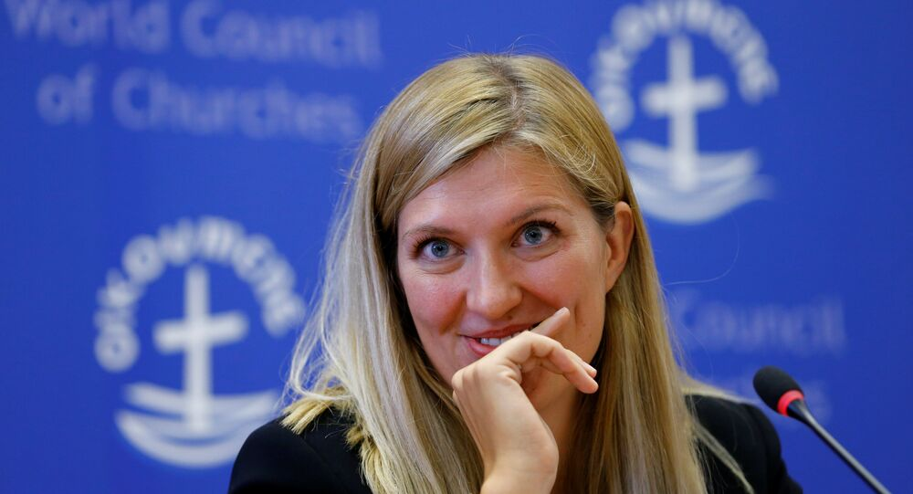 Beatrice Fihn, Executive Director of the International Campaign to Abolish Nuclear Weapons (ICAN), attends a news conference after ICAN won the Nobel Peace Prize 2017, in Geneva, Switzerland October 6, 2017.