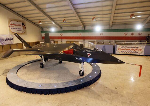 Caça da produção doméstica iraniana F-313