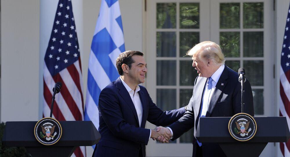 Alexis Tsipras, primeiro-ministro da Grécia, em encontro com o presidente dos EUA, Donald Trump, em Washington