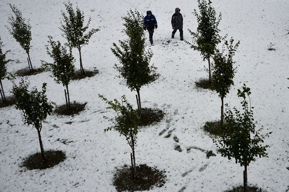 Neve na estação Rosa Khutor, popular entre os esquiadores de todo o mundo, na cidade russa de Sochi