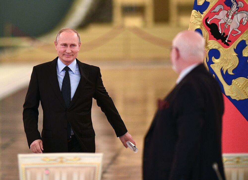O presidente da Rússia, Vladimir Putin, à chegada à reunião do Conselho para Desenvolvimento da Sociedade Civil e Direitos Humanos