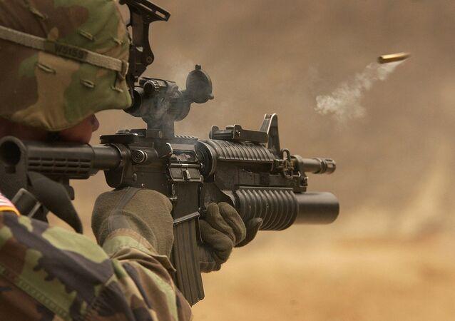Militar dispara bala (imagem ilustrativa)