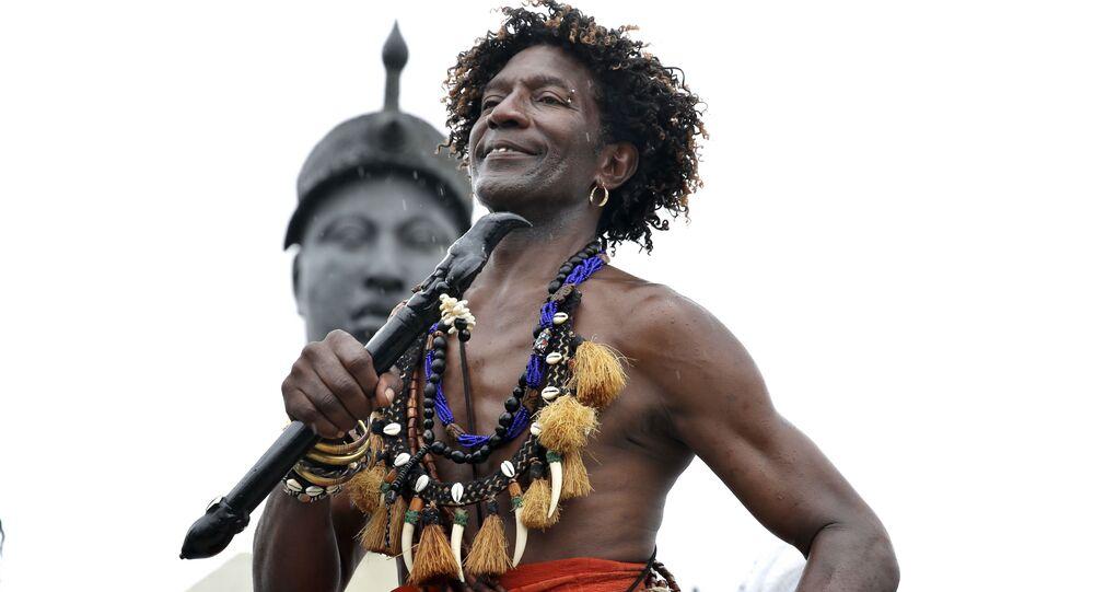 Homenagem junto ao monumento de Zumbi dos Palmares no Rio de Janeiro por conta do Dia da Consciência Negra