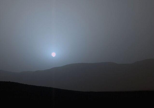 Pôr do sol em Marte.