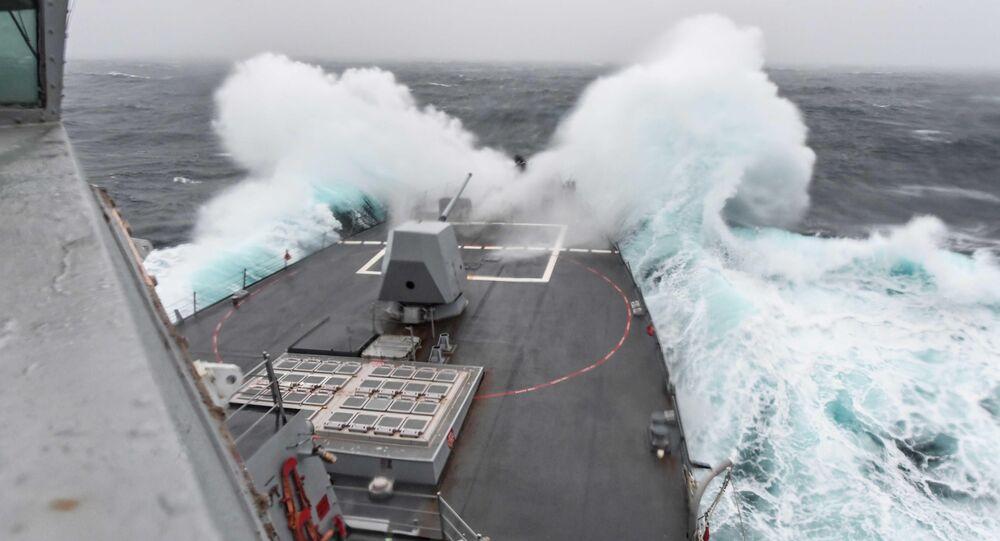 O destróier USS James Williams da Marinha dos EUA (imagem referencial)