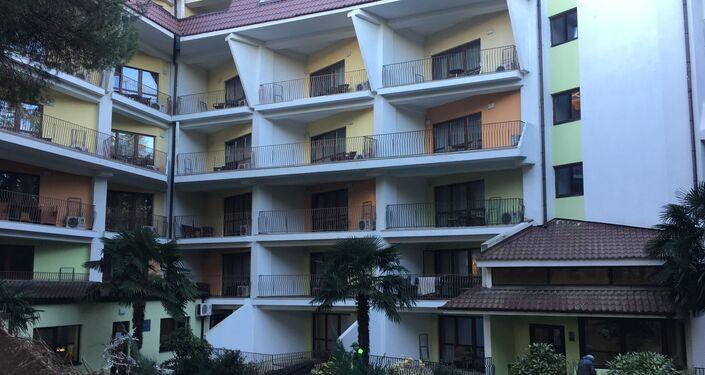 Edifício principal do hotel Porto Mare, em Alushta
